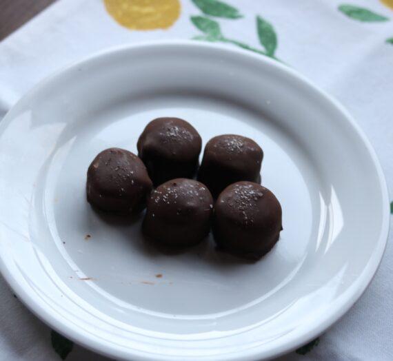 Salted Dark Chocolate Peanut Butter Banana Bites